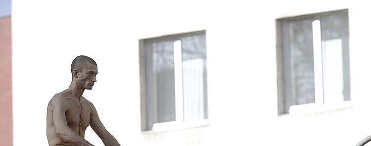 Affaire Piotr Pavlenski : Le Sort Du Statut De Réfugié