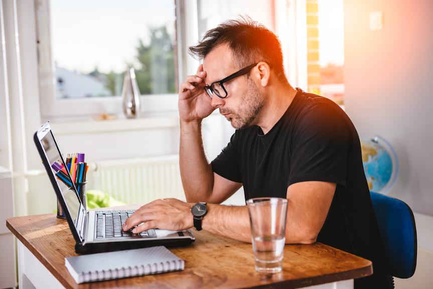 Salariés Et Télétravail, Risques Psychosociaux