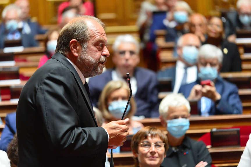 Eric Dupond-Moretti, Dont La Démission Est Actuellement Discutée, Devant L'Assemblée Nationale